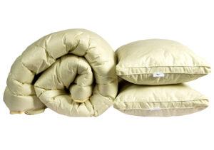 """Одеяло лебяжий пух """"Бежевое"""" 2-сп. + 2 подушки 70х70"""