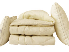 """Одеяло лебяжий пух """"Бежевое"""" 1.5-сп. + 2 подушки 70х70"""